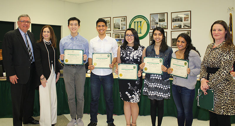 Students%2C+from+L+to+R%3A+Brandon+Feng%2C+Sachin+Patnaik%2C+Emily+Xu%2C+Kavya+Tangella%2C+and+Kirti+Nath.+