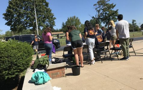 The Spanish Honor Society Hosts Another Successful Car Wash